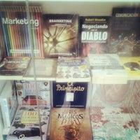 Photo taken at Librerías Crisol by Hellen M. on 2/14/2014