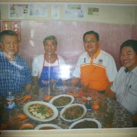 Photo taken at Tan Seow Woi Food Stall by Mickey T. on 12/30/2012