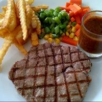 Photo taken at Gowagyu Steak by Juven K. on 11/13/2013
