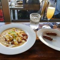 รูปภาพถ่ายที่ Breakfast Republic โดย Alice K. เมื่อ 4/8/2018
