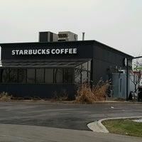 Photo taken at Starbucks by Alice K. on 1/13/2017