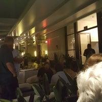 4/10/2018 tarihinde Alice K.ziyaretçi tarafından Andaz Rooftop Lounge'de çekilen fotoğraf