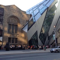 Photo taken at Royal Ontario Museum by Joey d. on 6/14/2013