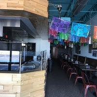 5/7/2017 tarihinde Gene B.ziyaretçi tarafından Burritos & Beer Mexican Restaurant'de çekilen fotoğraf