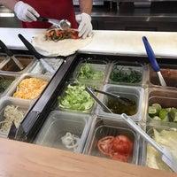 5/10/2017 tarihinde Gene B.ziyaretçi tarafından Burritos & Beer Mexican Restaurant'de çekilen fotoğraf