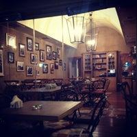 10/4/2012 tarihinde Ozge Senturkziyaretçi tarafından Caffe Aşkı'de çekilen fotoğraf