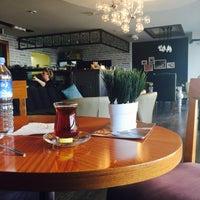 10/19/2016 tarihinde Zeynep A.ziyaretçi tarafından Cafe Nazen'de çekilen fotoğraf
