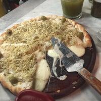 Foto tomada en Central de Pizzas por Iliana U. el 9/23/2015