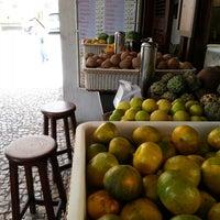 Foto tirada no(a) Kioske Frutas Da Fruta Mercadao por Leonardo S. em 5/25/2014