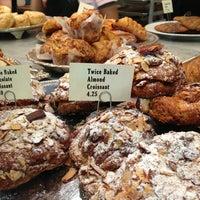 Foto tomada en Le Rêve Bakery & Café por C.Y. L. el 5/19/2013