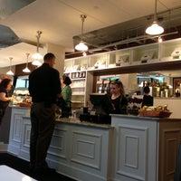 Das Foto wurde bei Bakery Nouveau von C.Y. L. am 6/26/2013 aufgenommen