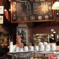 9/28/2012 tarihinde C.Y. L.ziyaretçi tarafından Espresso Vivace'de çekilen fotoğraf