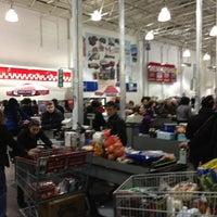 Foto diambil di Costco Wholesale oleh Sen Z. pada 2/2/2013