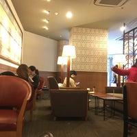 Photo taken at Starbucks (星巴克) by Ramses S. on 3/12/2016