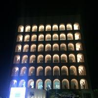 Foto scattata a Palazzo della Civiltà e del Lavoro da Beka E. il 12/17/2017