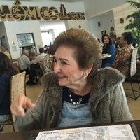 Foto tomada en El 9 Restaurante Lounge Yucateco por Paty A. el 9/4/2016