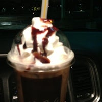 Photo taken at McDonald's by John Mateo 🇮🇹 on 12/28/2013