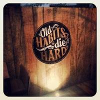 Foto tomada en Hudson Bar por Hudson Bar el 12/18/2013