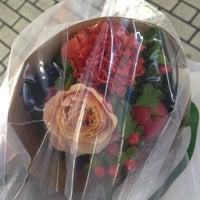 Photo taken at 青山フラワーマーケット ルミネ荻窪店 by sasavo on 11/12/2012