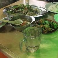Photo taken at Restoran Vichuda by dar a. on 5/26/2016