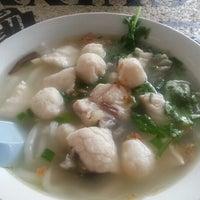 Photo taken at Restoran Rasa Sayang by Lynn L. on 1/8/2013