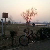 Photo taken at 7-ELEVEN by hyon C. on 3/23/2014
