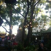 Das Foto wurde bei Ozona Grill & Bar von Jim S. am 6/9/2012 aufgenommen