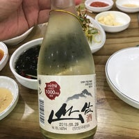 Photo taken at 머내돌삽겹살 by Jung Kyu. Chang, C. on 8/15/2017