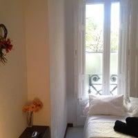 Foto tomada en Microtel Bauhaus por anna h. el 12/13/2012