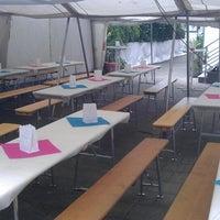 Foto tomada en Café Hotel Konditorei Goldinger por Felix G. el 6/14/2014