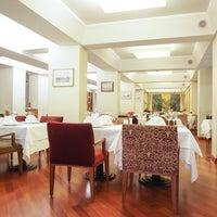 12/19/2013 tarihinde Asitane Restaurantziyaretçi tarafından Asitane Restaurant'de çekilen fotoğraf