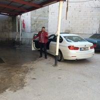 Photo taken at Paşa Oto Yıkama by Osman Safa A. on 11/19/2015