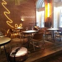 12/18/2012 tarihinde Alessandro Z.ziyaretçi tarafından innio restaurant and bar'de çekilen fotoğraf