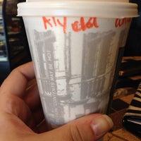 Das Foto wurde bei Kaffe Bona von Alycia F. am 10/16/2013 aufgenommen
