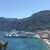 Foto tomada en JK Place Capri por Masha M. el 6/8/2014