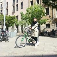 Photo taken at Green Bikes Barcelona Rentals & Tours by Egman E. on 4/23/2016