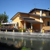 Foto scattata a Ristorante Naviglio 1974 da Ristorante Naviglio 1974 il 12/20/2013