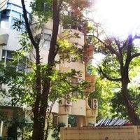 Photo taken at อาคาร 14 (อาคารเรียนรวม) ตึกไข่ดาว by Chatchapong M. on 11/22/2012