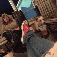Das Foto wurde bei Lighthouse Beer And Wine von Amy E. am 1/4/2017 aufgenommen