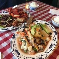 Photo taken at Sam & Lees Restaurant by Erika S. on 5/7/2017
