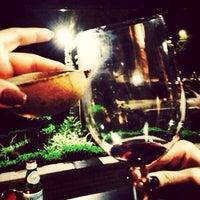 Das Foto wurde bei Newton 272 Wine & Mezcal Room von David C. am 1/15/2014 aufgenommen