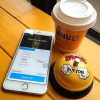 Photo prise au Manuel Deli & Coffee par Guru Kafa @gurukafa i. le3/17/2015