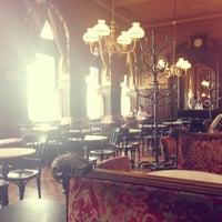 Photo prise au Café Sperl par Anna K. le7/29/2013