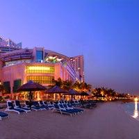 Foto tomada en Beach Rotana Abu Dhabi por Beach Rotana Abu Dhabi el 12/21/2013
