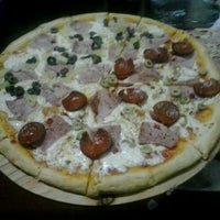 Photo taken at Solopizzas by Ada Noelia M. on 4/5/2014