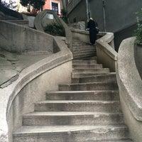 10/2/2015 tarihinde Salihziyaretçi tarafından Kamondo Merdivenleri'de çekilen fotoğraf