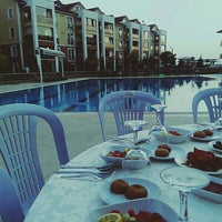 Photo taken at Mavi Yeşil Swimmingpool by Tuğba G. on 6/22/2016