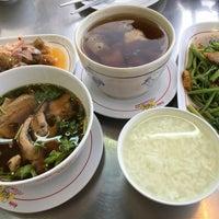 Photo taken at ข้าวต้มอ้วนผอม สาขาราชพฤกษ์ by Nu T. on 11/28/2015