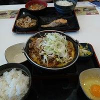 Photo taken at Yoshinoya by Chijsha T. on 11/27/2017