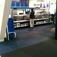 Photo taken at Best Buy by Hilda C. on 1/18/2013